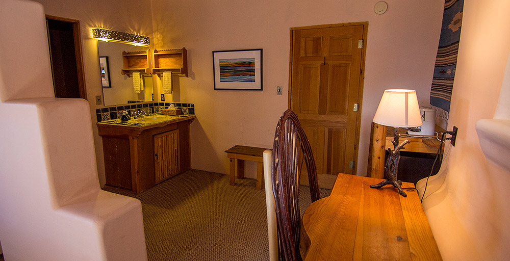 Old Taos Guesthouse - Sunset Suite